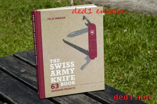 buku The Swiss Army Knife Book - outdoor projects