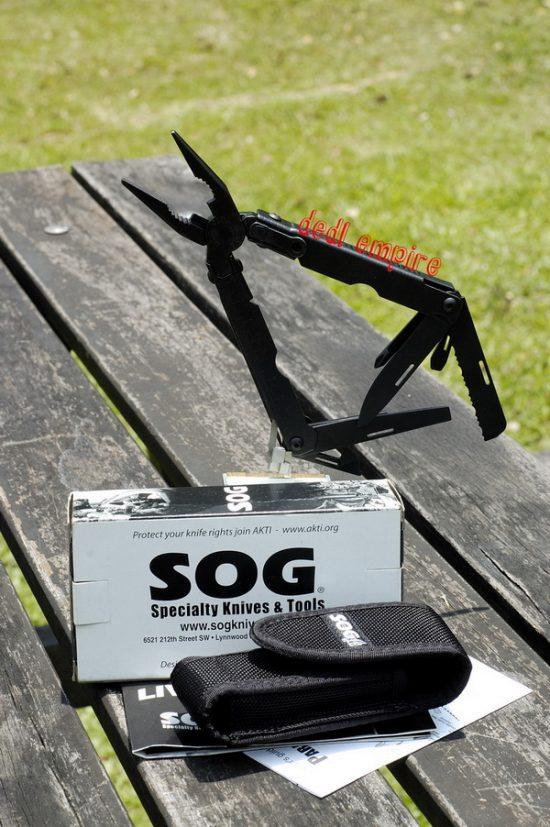 SOG - Alat serbaguna Paratool (USA)